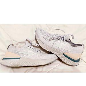 New Nike women Epic React shoes sneakers 7.5